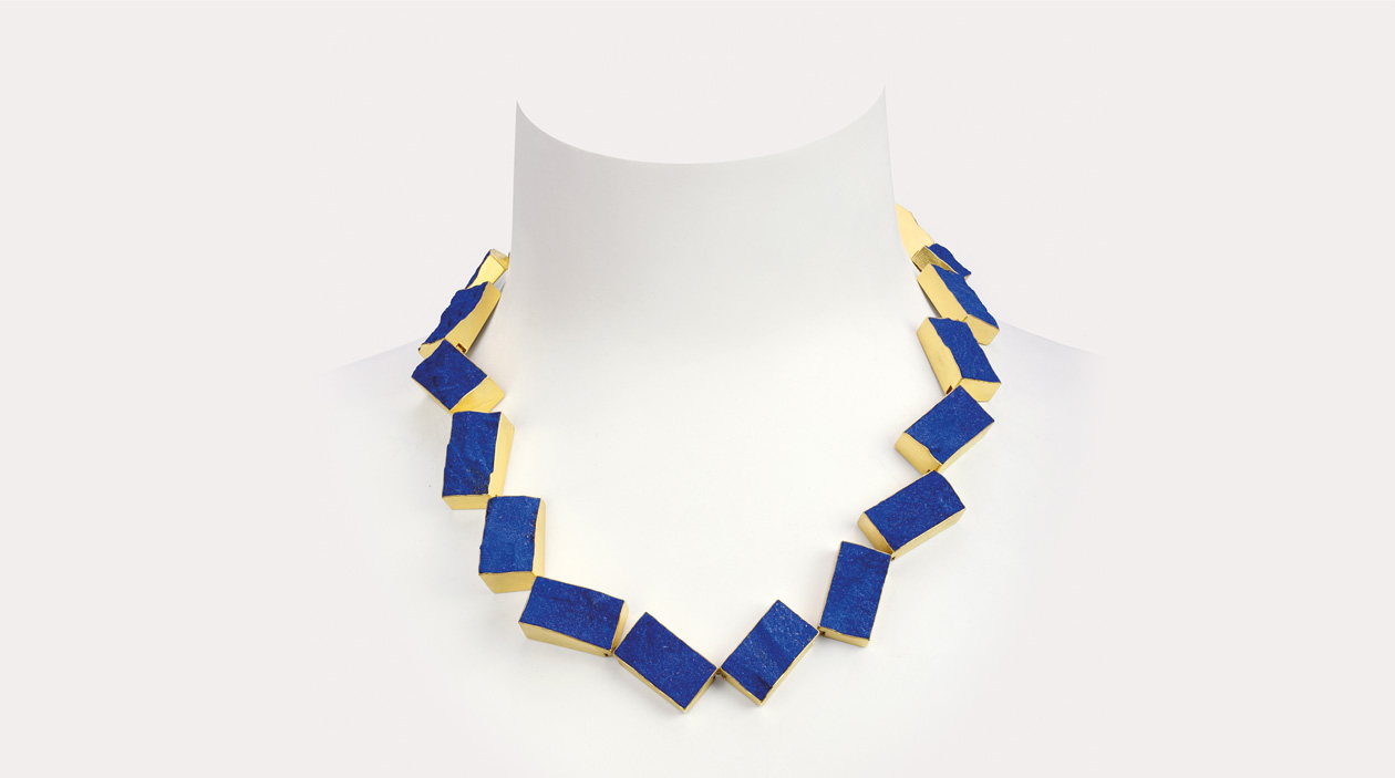 start  1  necklace  2016  gold 750  lapislazuli  540x25mm