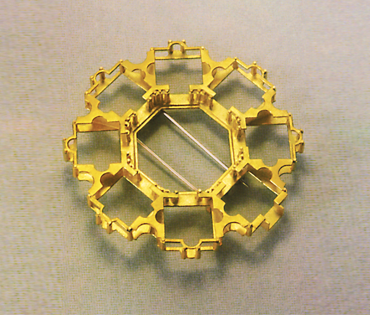 brooch  1989  gold  750  d  50  mm