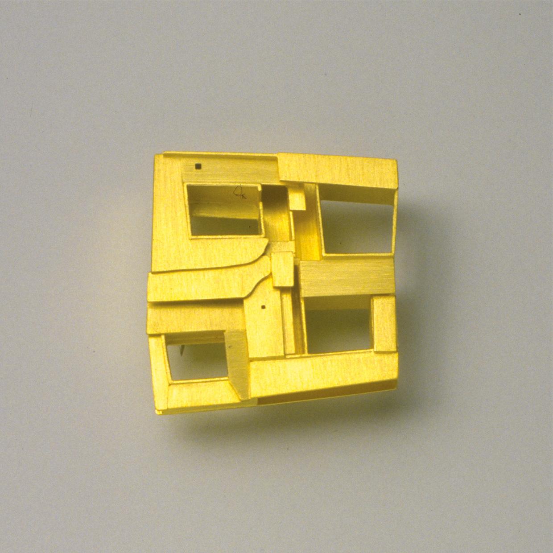 Brosche  1993  Gold  750  37x30  mm