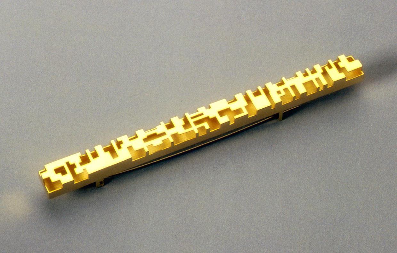 Brosche  1999  Gold  750  103x8  mm