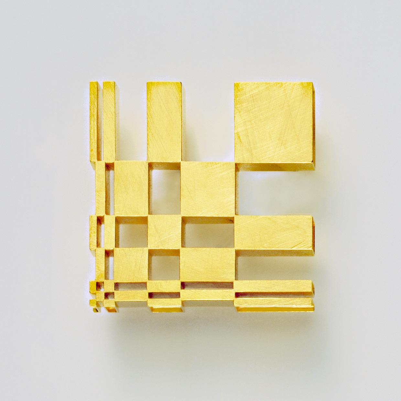 Brosche  2004  Gold  750  42x42  mm