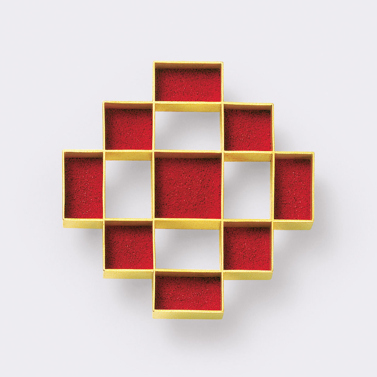 brooch  2008  gold  750  red  pigment  50x50  mm