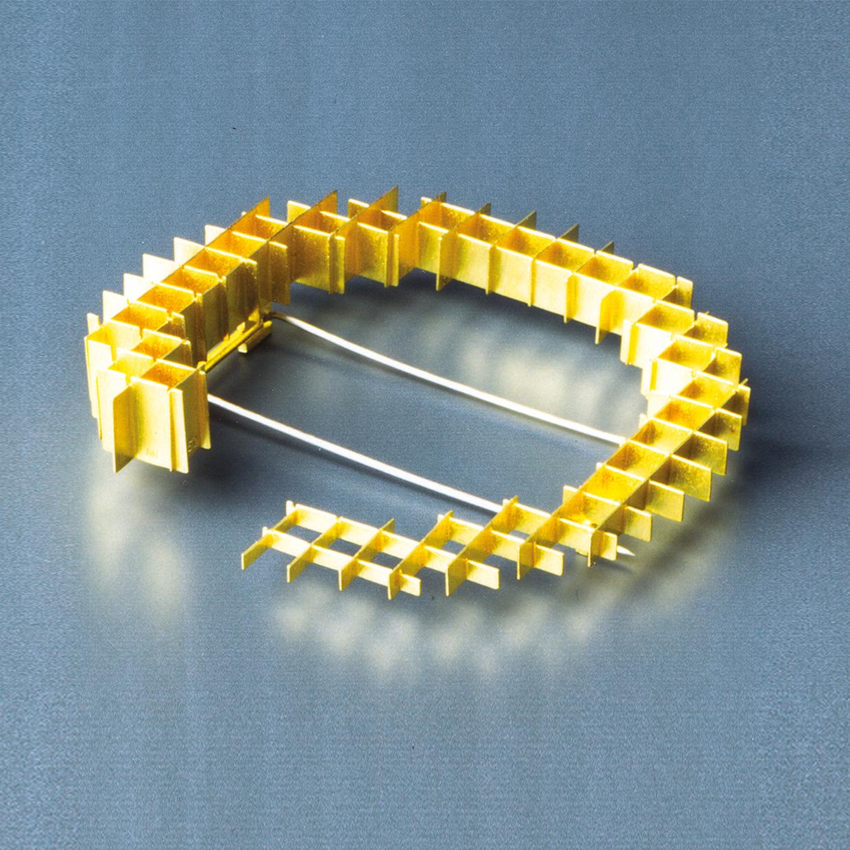 Brosche  1992  Gold  750  D  70  mm