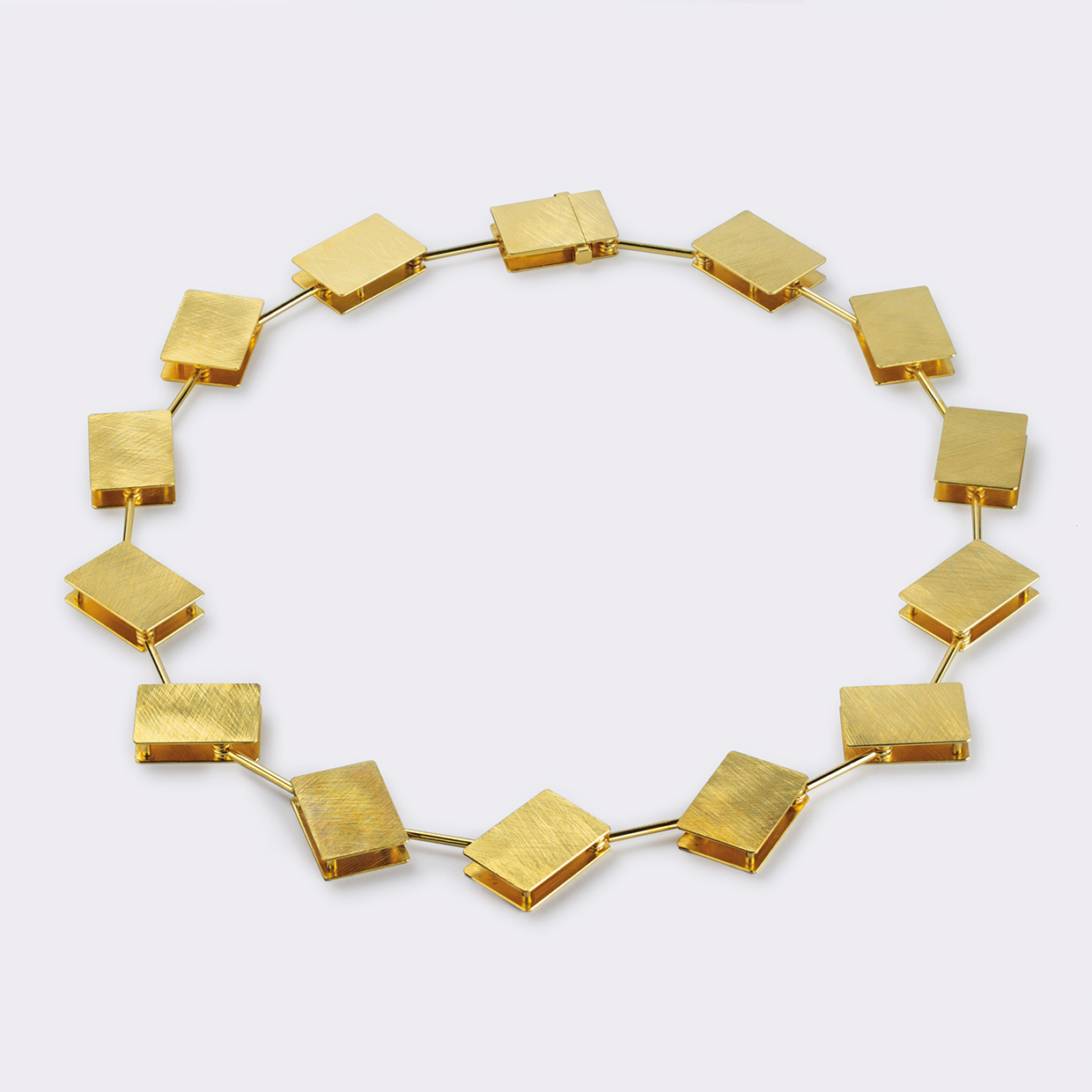 necklace  2009  gold  750  450x20  mm