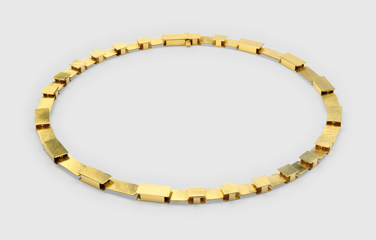 necklace  2010  gold  750  440x7  mm