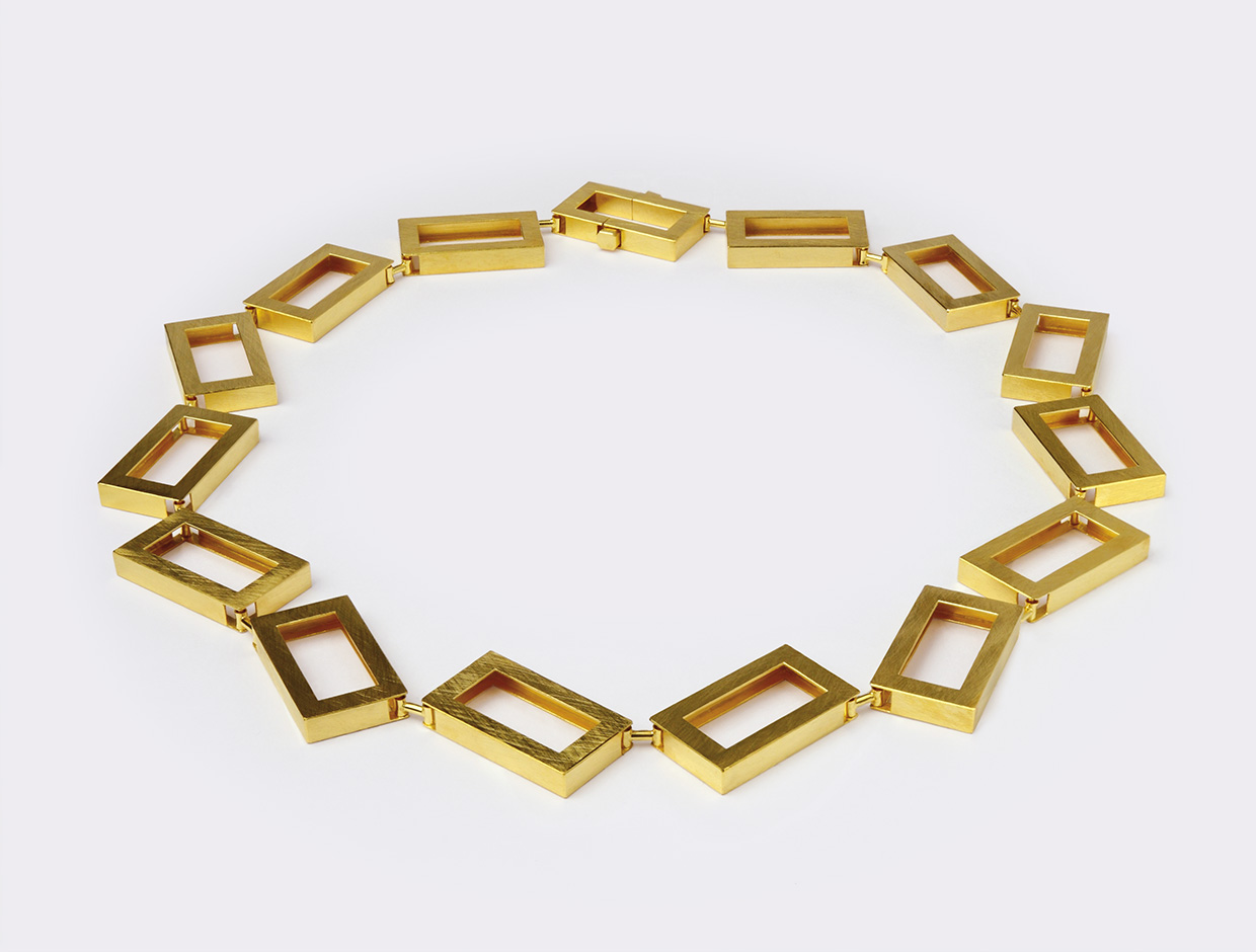 necklace  2010  gold  750  495x15.5  mm
