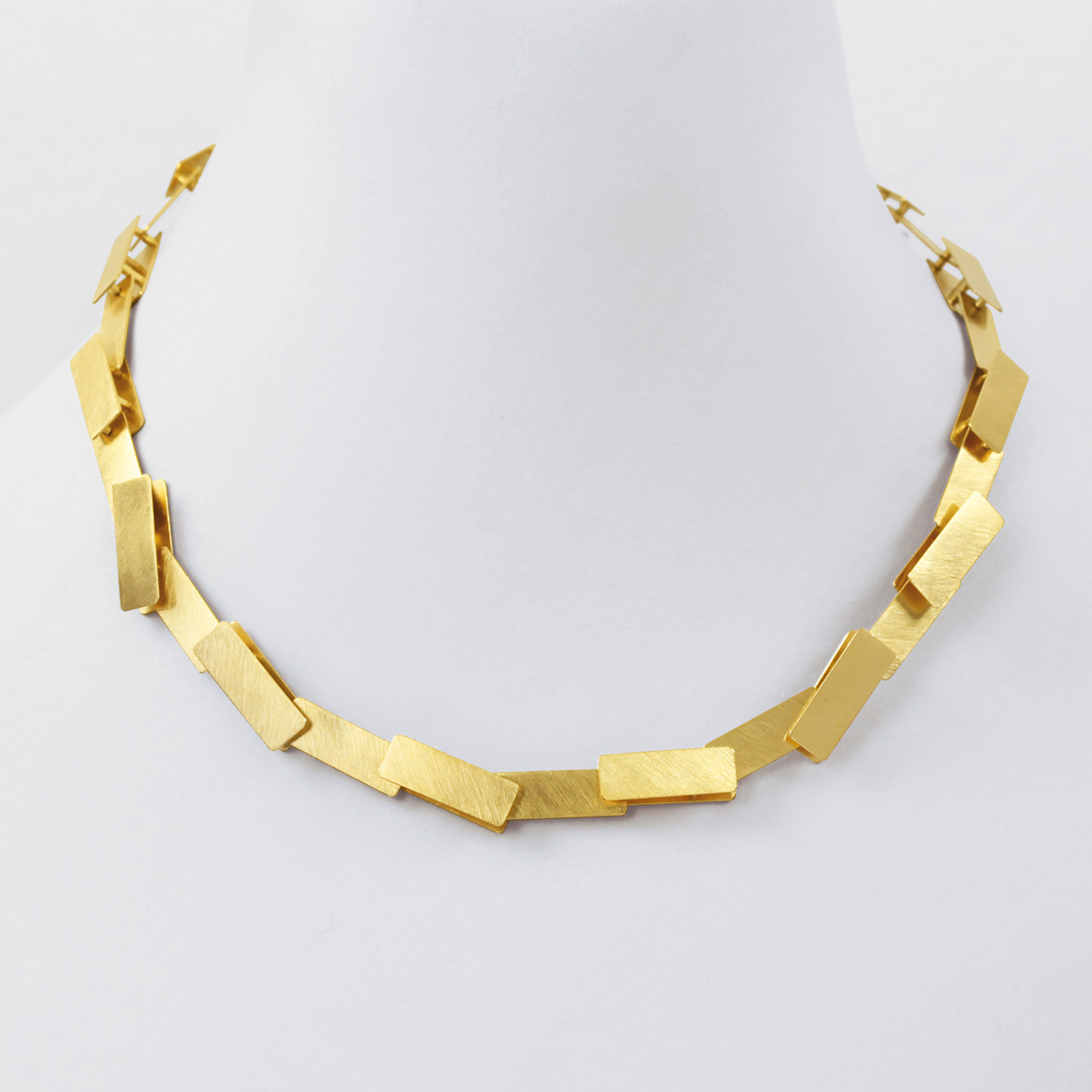 necklace  2011  gold  750  437x9  mm