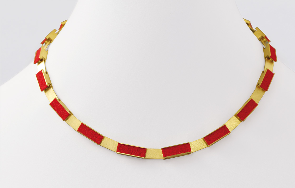 necklace  2011  gold  750  red  pigment  460x7  mm