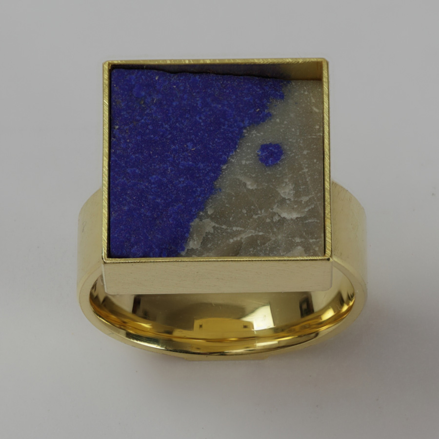 ring  2011  gold 750  lapislazuli  15x15  mm