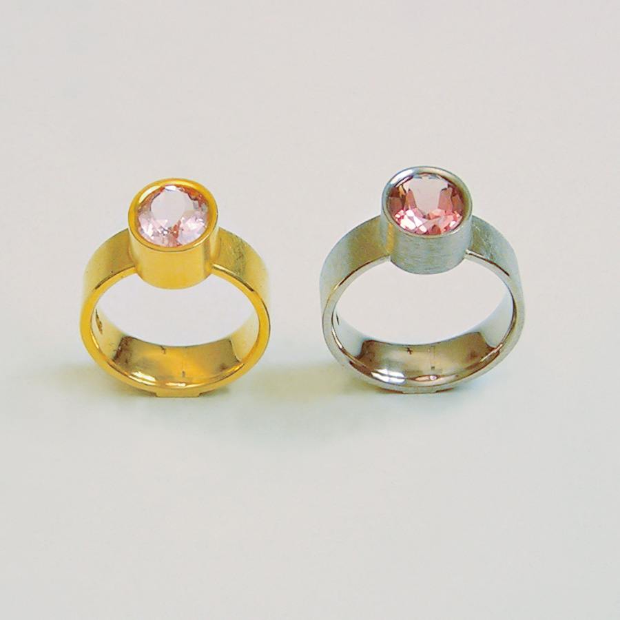 2  rings  2006  gold 750  morganite  12x9  mm