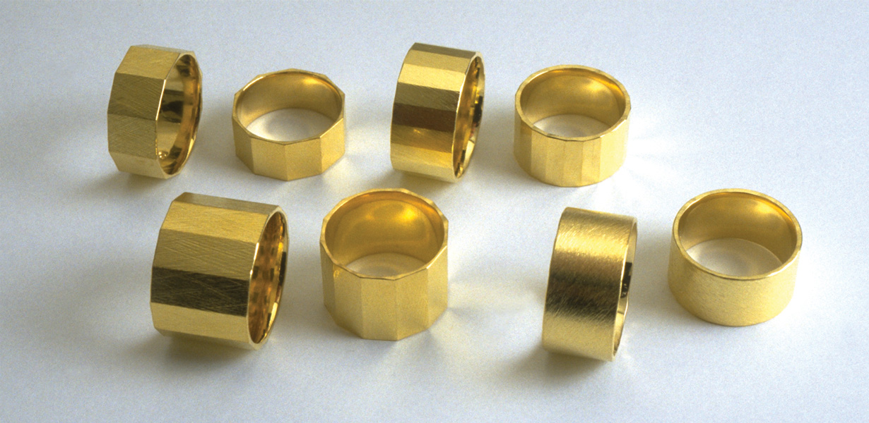 8  rings  2002  gold 750