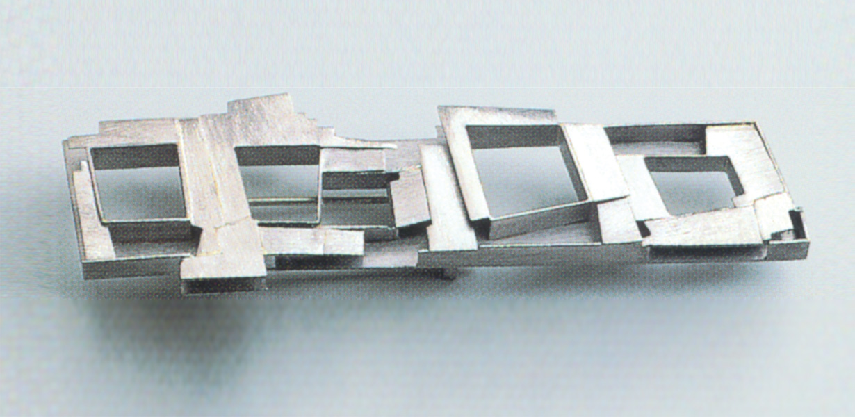 brooch  1993  white gold  750  63x16  mm