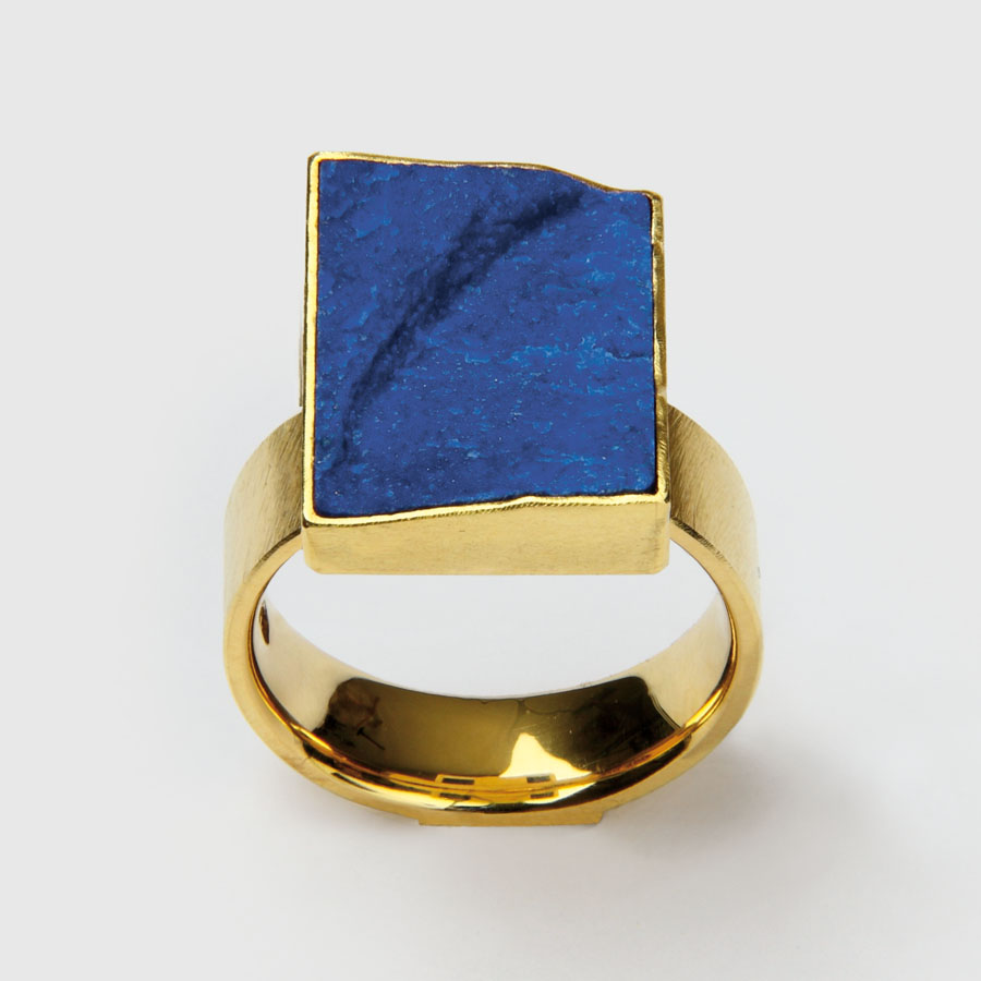 ring  2010  gold 750  lapislazuli  20x14  mm