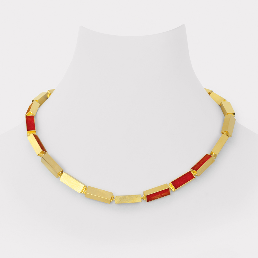necklace  2013  gold 750  red  pigment  460x7x6  mm