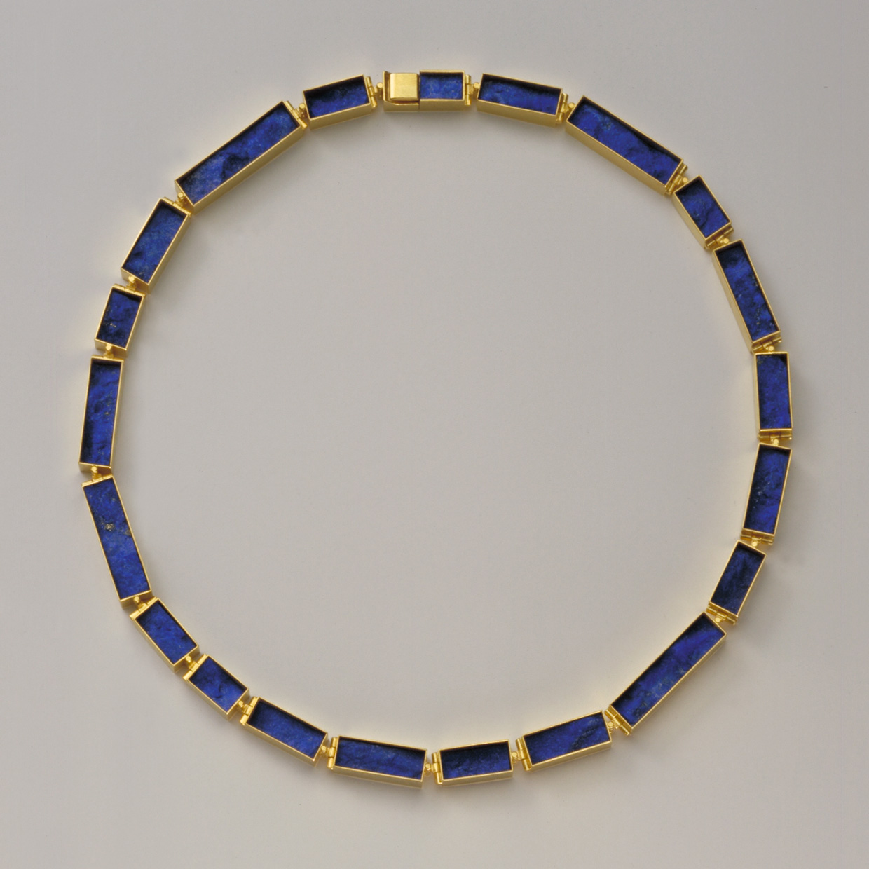 necklace  2006  gold  750  lapislazuli  460x7  mm