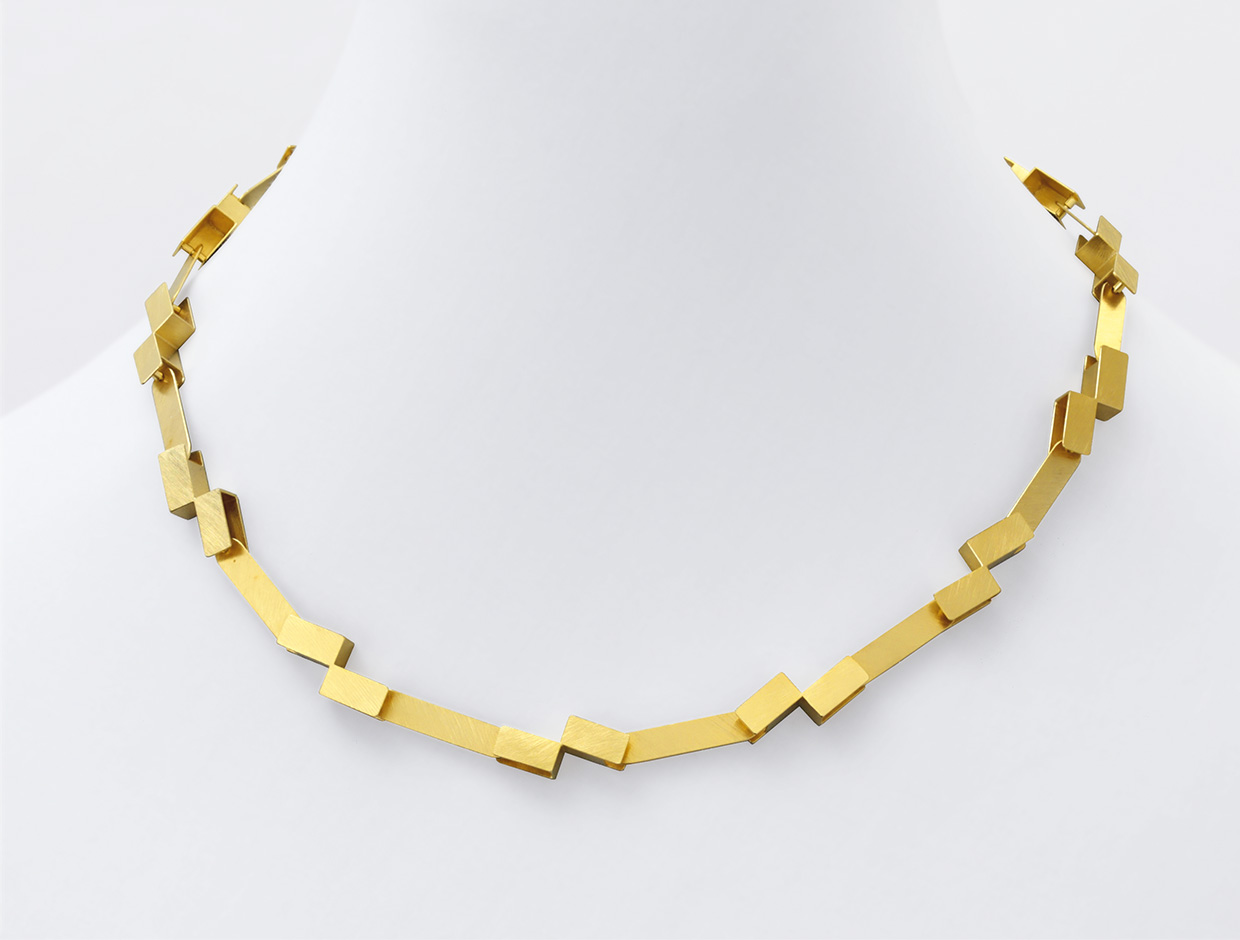 necklace  2008  gold  750  459x10  mm