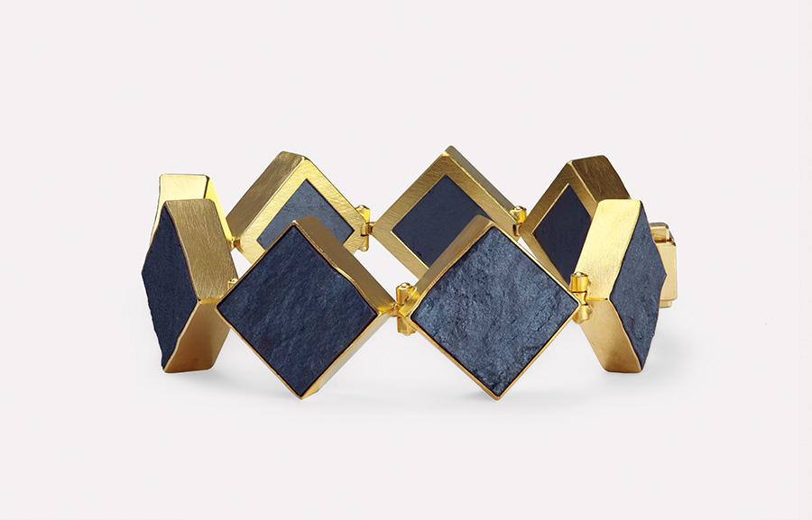 bracelet  2018  gold  750  haematit  178x20  mm
